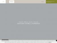 hotelvaubecour-lyon.com